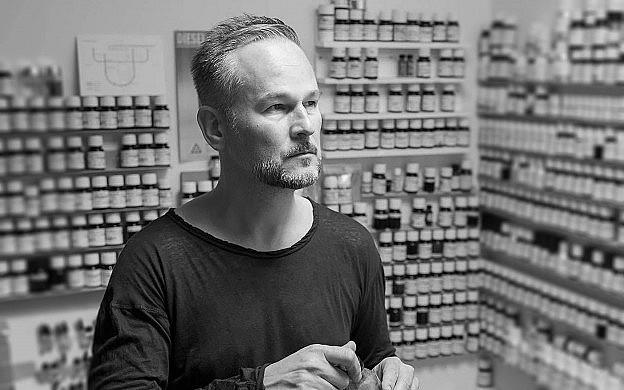 Sensing the Perfumer: Geza Schoen